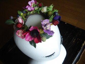 春の花の輪飾りの画像