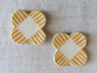 黄色い花はしおき(2個組)の画像