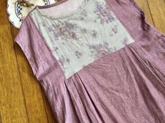 ダブルガーゼ薔薇柄フレンチタックワンピースの画像