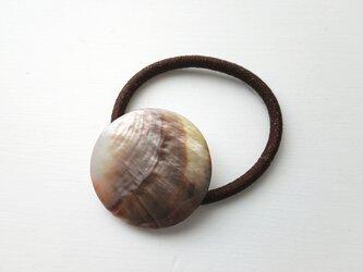 天然石の髪飾り「ラウンド シェル Ⅲ」の画像