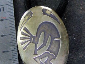 真鍮ブラス製 ココペリデザインヘアゴムコンチョ 髪留め・バッグ飾り・ペットの首輪飾りにもの画像