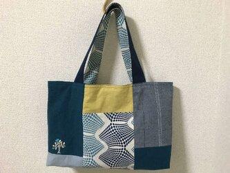 刺繍バッグ*青い鳥のとまる樹の画像