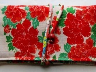 送料無料 花柄の長襦袢で作った和風財布・ポーチ 3626の画像