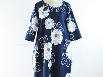 浴衣地 紺 菊模様のコクーンワンピース Lサイズの画像