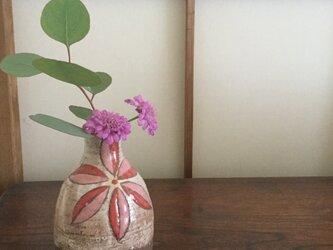 色絵花器の画像