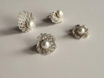 [ 4 way or more ] ネットレースと真珠のピアス [φ17mm_Silver ][ ペア ]の画像