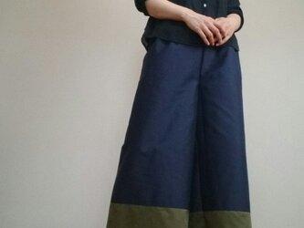 ワイドパンツ紺とカーキ色の鮮やか粋な色味ウエストゴムの画像