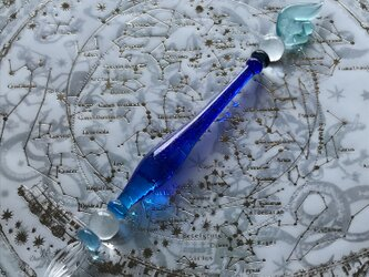 宇宙の羽根のガラスペン 紺の画像