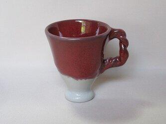 ワインレッドのカップの画像