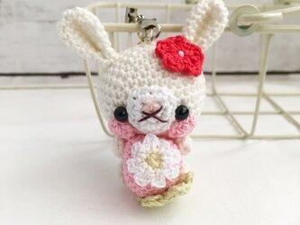 【受注生産】ピンク系・春うさぎさん鈴付きイヤホンジャックストラップの画像