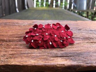 革花のスリーピン 楕円(花芯付き) ローズレッドの画像