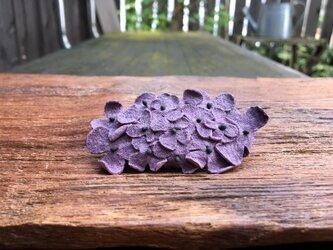 革花のスリーピン 楕円(黒花芯付き) 薄紫の画像