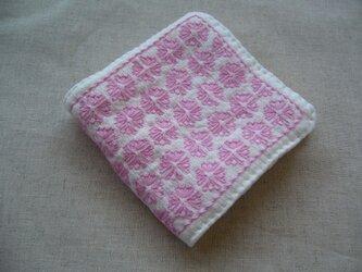 ◆◇◆レトロ花刺繍のハンカチ【Cherry Pink】◆◇◆の画像