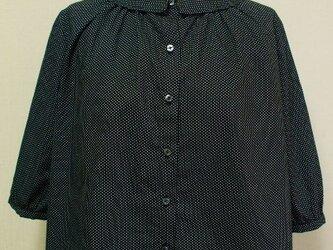 プリント小さいショールカラーのブラウス M~Lサイズ 黒地×白極少水玉柄 受注生産の画像