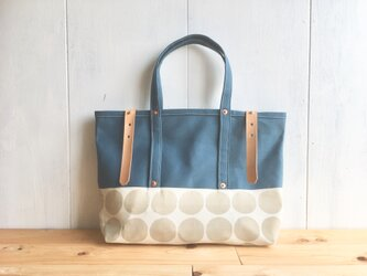 【在庫あり】ブルーグレー×大きな水玉の鞄の画像