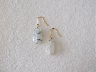 トルマリンクォーツ(Rectangle)の一粒ピアス・イヤリングの画像