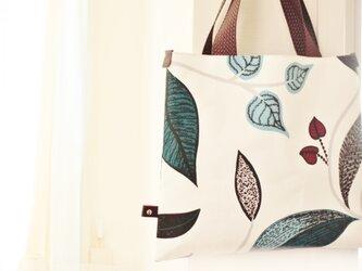 ボタニカル プリントの Bagの画像