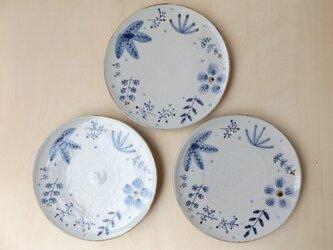 中皿 青茶の葉の画像