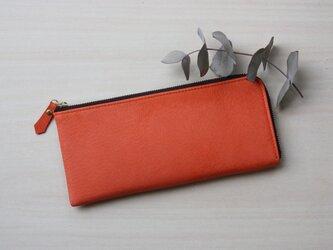 【セミオーダーできます】ピッグスキンのスリムな長財布 オレンジの画像