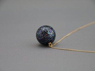 螺鈿蒔絵ペンダント 流れ星 (玉虫貝)チェーンの画像