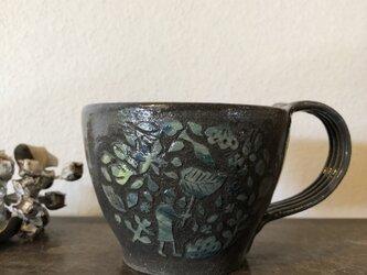 マグカップ―kakiotoshi black 雨宿りの画像