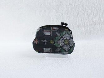 着物リメイクがまぐち 《くし》 大島紬・黒地に白花の画像