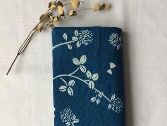 藍染め ブックカバー「花降る日」文庫用の画像