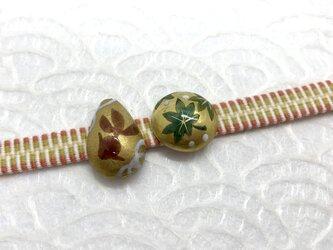 雫型 金魚の小さな帯留めの画像