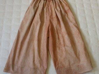 着物の裏を使った柿渋染刺し子ガウチョパンツ 木綿の画像
