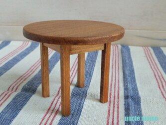 ドール用丸テーブル(色:チェスナット) 1/12ミニチュア家具の画像