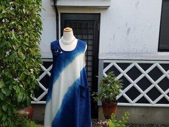 天然手染め工房『はちはち』藍染布 チュニック 綿100% コサージュ付きの画像