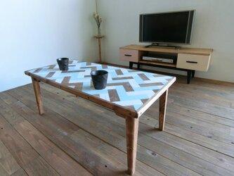 ヘリンボーンのローテーブル【水色】の画像