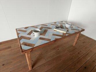 ヘリンボーンのローテーブル【ブルー】30%オフの画像