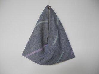 手織り布の三角袋/ブルー系の画像