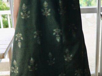 リメイク紬のグリーンの正絹タックワンピースの画像