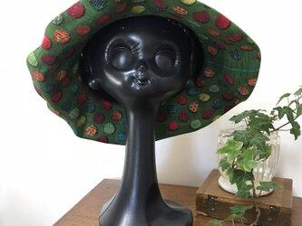 夏帽子 ブレードと布の帽子の画像