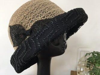 ブレードとスイスレースの 夏帽子の画像