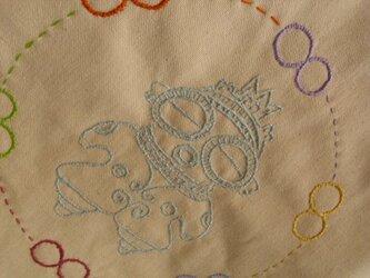 土偶の刺繍のショルダーバックの画像