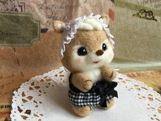 かわうそ カフェ メイド 女の子 エプロン 羊毛フェルトの画像