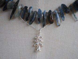 《セット》カイヤナイトともみの木ペンダントの画像