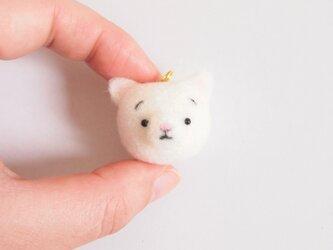 まゆ白猫(しろねこ) 携帯クリーナーストラップ 羊毛フェルト(アクレーヌ製)※受注製作の画像