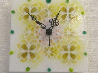 おしゃれで可愛いインテリアにもなるアートな花柄時計T32の画像