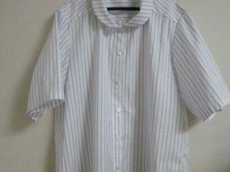 丸襟のストライプシャツ 30%offの画像