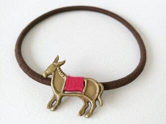 ロバヘアゴム(赤)の画像