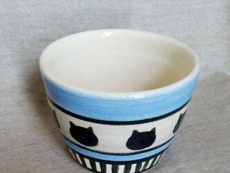 ねこ模様のカップの画像
