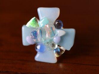 アイスブルーのお花*ガラスの指輪の画像