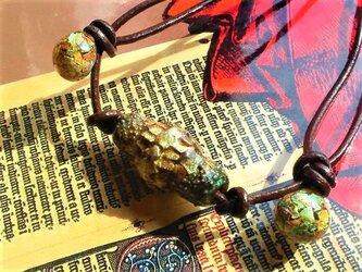 【海水浴OK!】虹古竜ドラゴンスキン蜻蛉玉ネックレスの画像