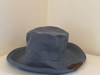 ウォッシュ加工の帆布  帽子の画像
