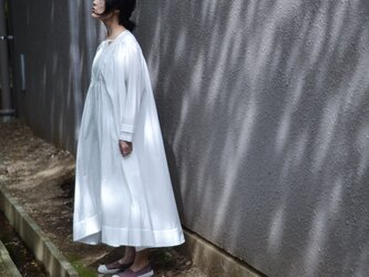 White Night Dressの画像