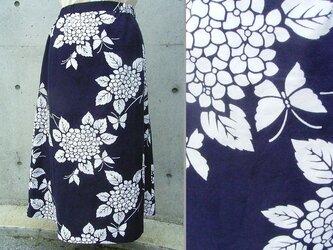 白い蝶の浴衣スカートの画像
